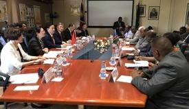 屈冬玉副部长与纳米比亚农业部长会谈_副本_副本.jpg